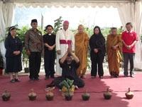 Para tokoh agama hadir dlm ceremonial PALM tgl 7 Feb'11 di Lereng Merapi
