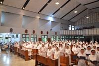 Tampak para peserta pertemuan BKU menempati bangku depan di kapel.