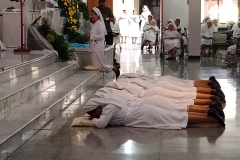 Berserah diri dan mohon berkat dari Para Kudus